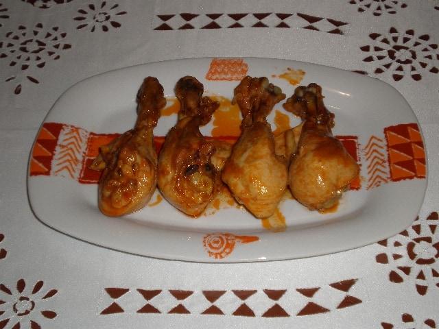 Muslos de pollo en salsa de tomate