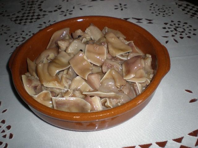Oreja de cerdo en su jugo