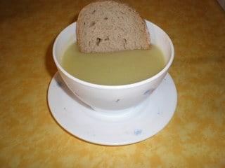 Crema de calabacín con pan
