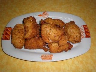 Pechugas de pollo rebozadas con galletas saladas