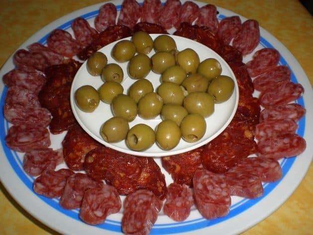 793ea701476d5db2a4fd8cf1e0bf5880 - Embutidos de pavo, con olivas