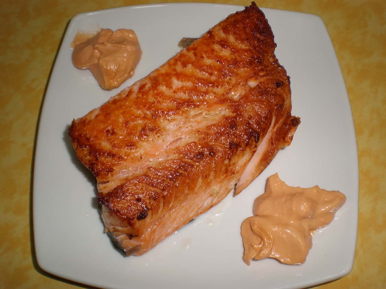 55f1af74ed6d51549d7d4b31853fd65a - Salmón frito con ajos