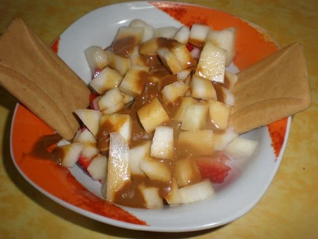 6964130a6e5a2ce8c5a7fab6251afd2e - Fruta natural, regada de dulce de leche