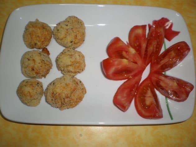 acbf17dca076404b2078b0d4b135530d - Bolitas de puré de papas, rellenas de pollo y ternera