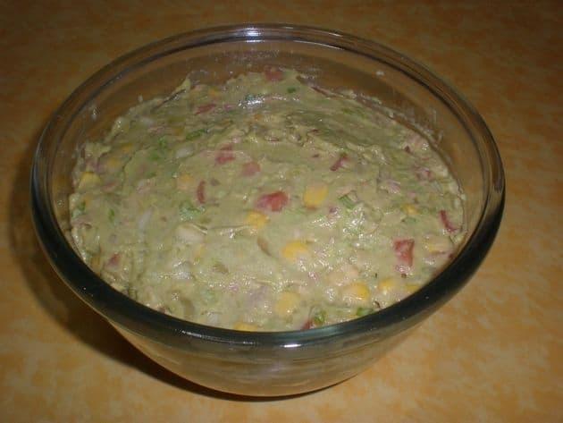 Paté de aguacate con tropezones
