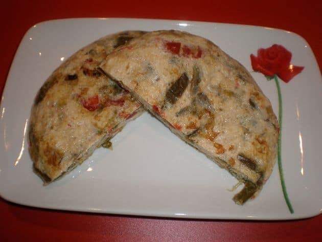 b4d7de5ff725512a637402454dd08203 - ▷ Tortilla de claras con Pimientos pochados con puerro 🥚 🥚
