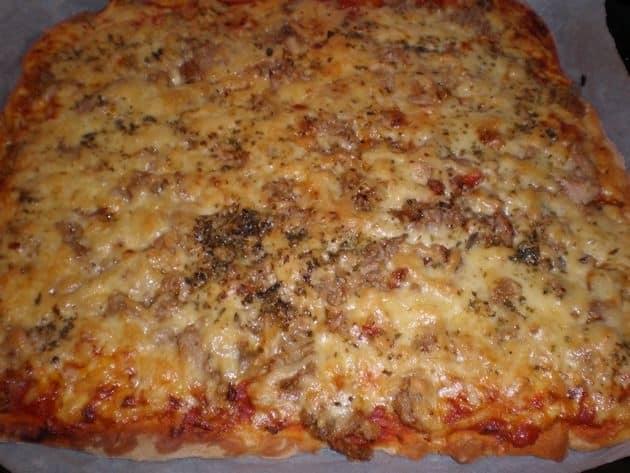 ed0b0c31c412f7d67bd39119503bb394 - Pizza de atún y verdura salteada