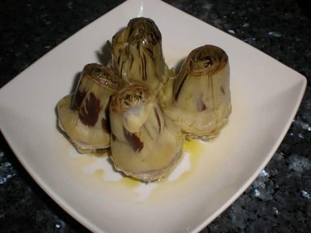 Corazones de alcachofas lubricadas
