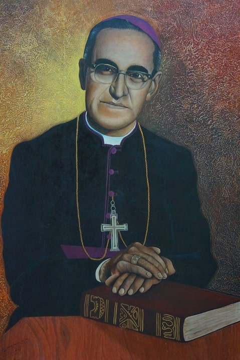 Monseñor - ▷ Monseñor 📖