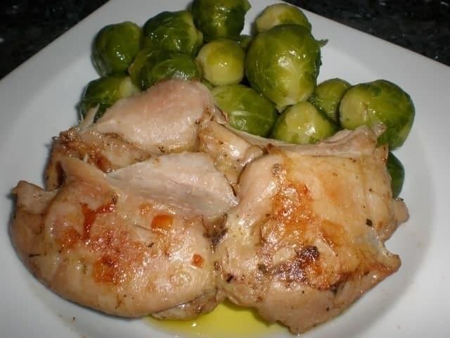 3aa0dd096e2d3a6fbc4c3a4c7dea6188 - ▷ Muslos de pollo deshuesados con coles de Bruselas 🍗