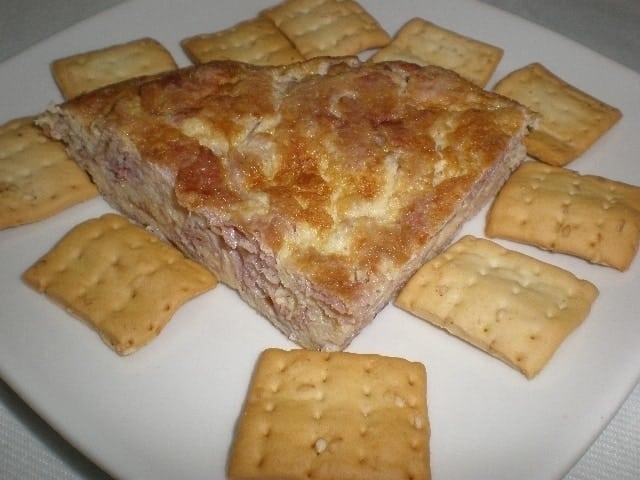 Tortilla con lacón y tabasco