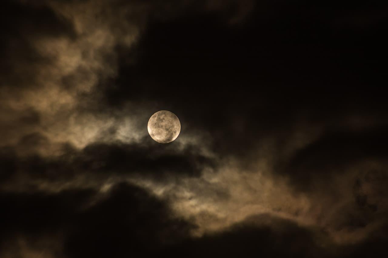 Oscuridad - ▷ Oscuridad 📖
