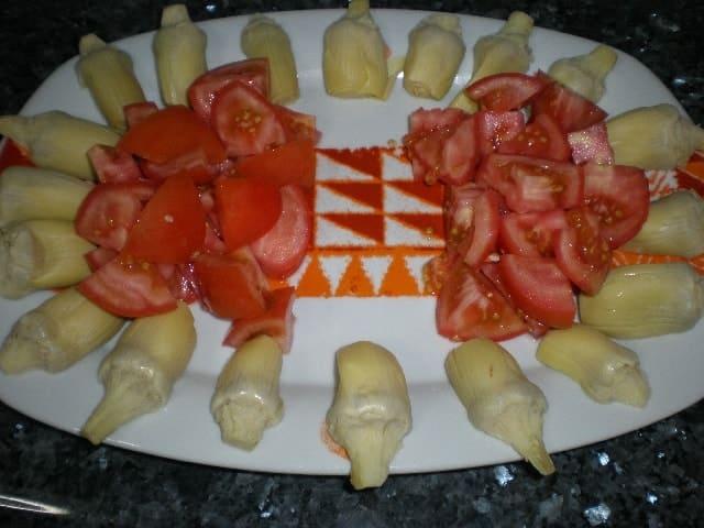 Alcachofas y tomates
