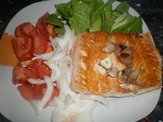 1b9499731f0cfbb7e7f5f5b826330424 - Filete de salmón con ensalada
