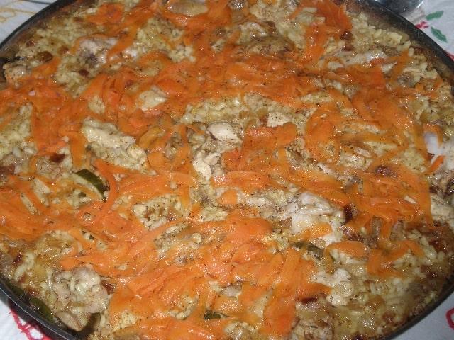 Arroz con tiras de zanahoria