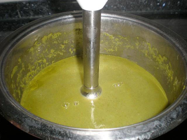 Hacer la crema de grelos