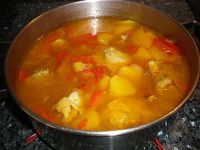 Estofado de pollo con pimiento rojo