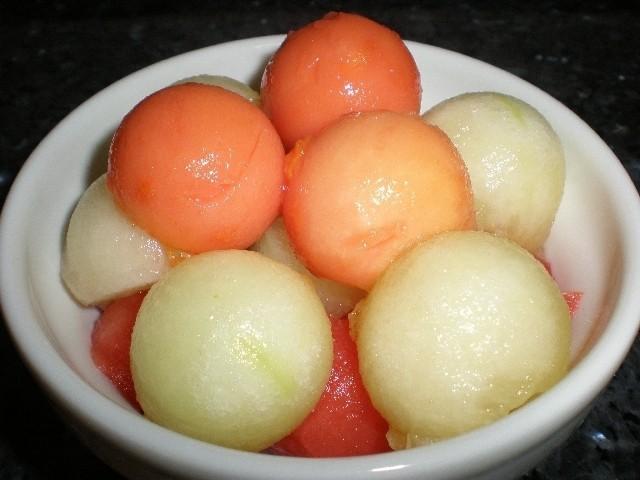 a00fc2411062cccde9c7962ab961e135 - Bolitas tricolores de frutas