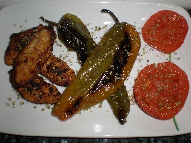 d446bd5b214698397917d385a315641b - ▷ Lomos de pavo con pimientos y tomates 🦃