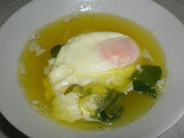 d6baba739947569a44e8b3ecc718ffe3 - Caldo de pollo con huevos escalfados