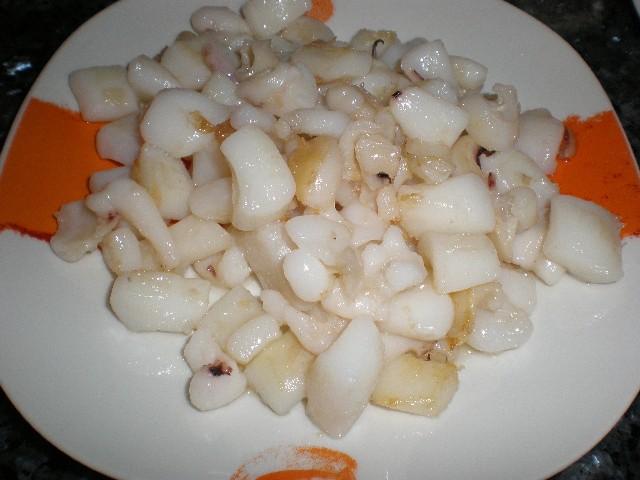 Daditos de calamar frito