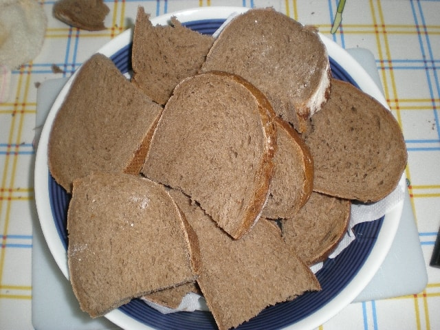 Pan de centeno en rodajas