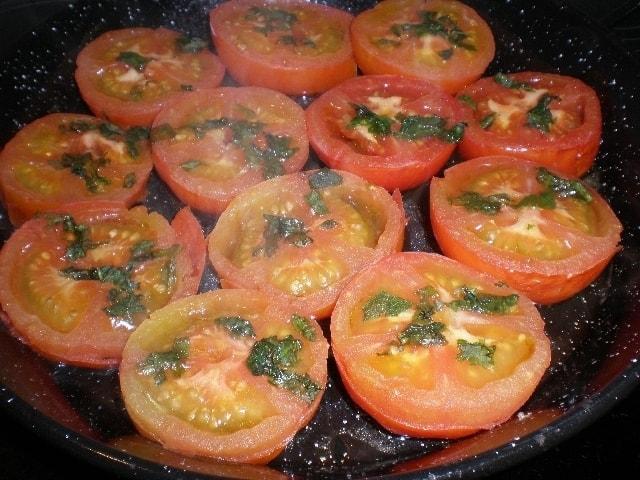 8656a6058012a14c766868d73aad133b - Tomates con cilantro al horno