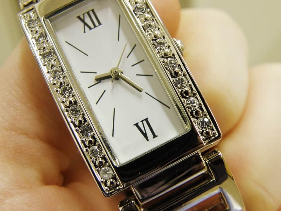9cfb594ca0b804893e7dadfe3761ec3c - ▷ Vi mi reloj 📖