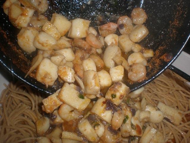 Espaguetis integrales con sabor a mar