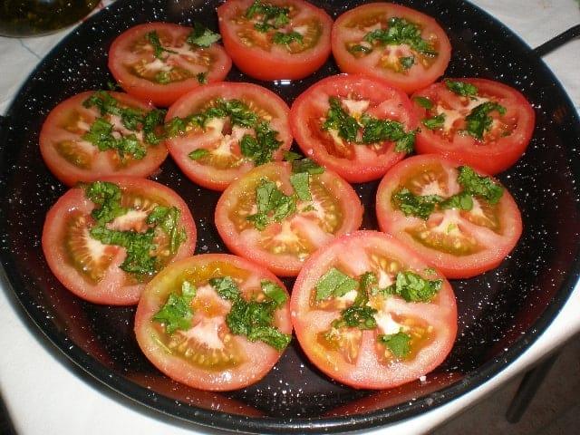 Tomates con cilantro