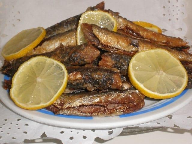 Sardinas enharinadas fritas