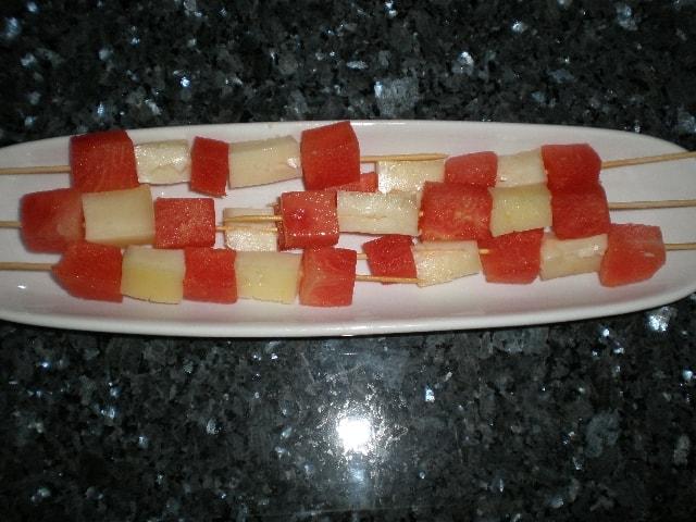 Banderillas de sandía y queso
