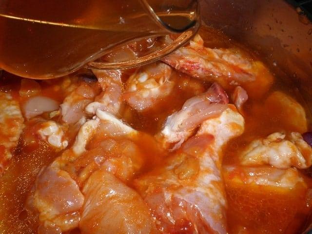 Elaborar pollo con tomate
