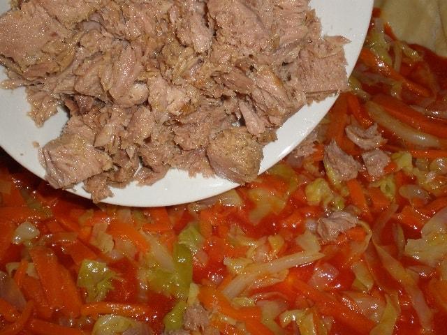 Poner el at%C3%BAn - Empanada con costra de tomate