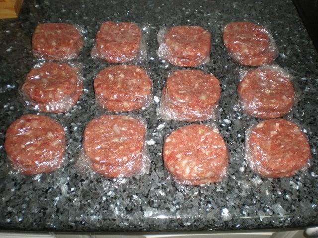 Hamburguesas dos carnes con cebollas