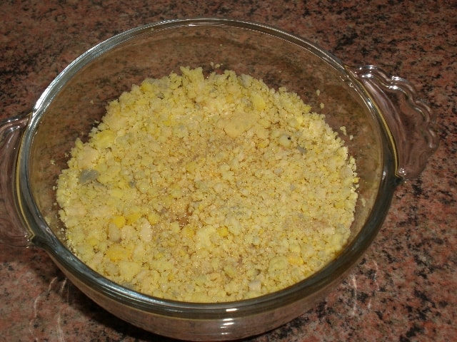 Paté del relleno de huevos al estilo Rosi