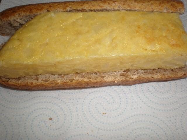 c4fecaa262b98f9bb0866d705f15b717 - ▷ Bocadillo de Tortilla con nata