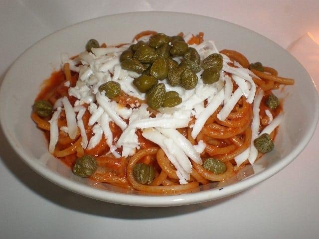 Espaguetis con alcaparras - Espaguetis con alcaparras