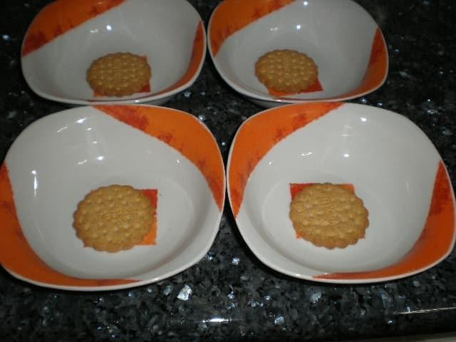 Galletas en cuenco - Natillas con macedonia