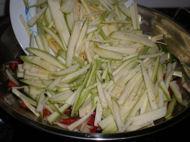Meter calabacines 1 - ▷ Dente de verdura al wok 🥕 🥒