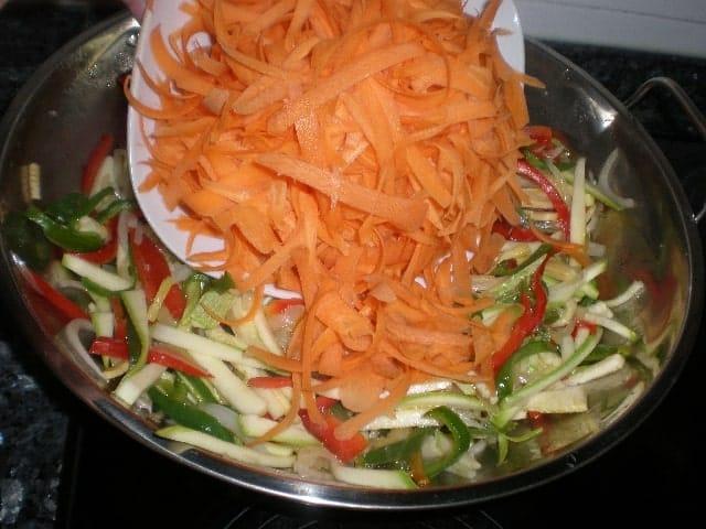 Meter zanahorias 1 - ▷ Dente de verdura al wok 🥕 🥒