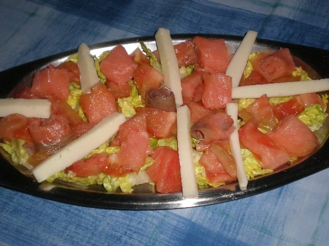 Ensalada de salm%C3%B3n y queso 2 - Ensalada de salmón y queso