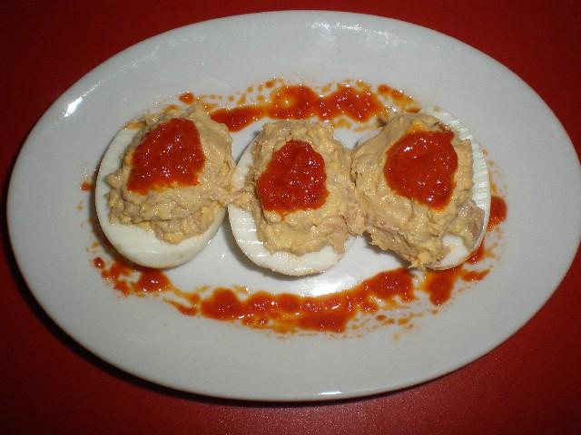 Huevos morrones