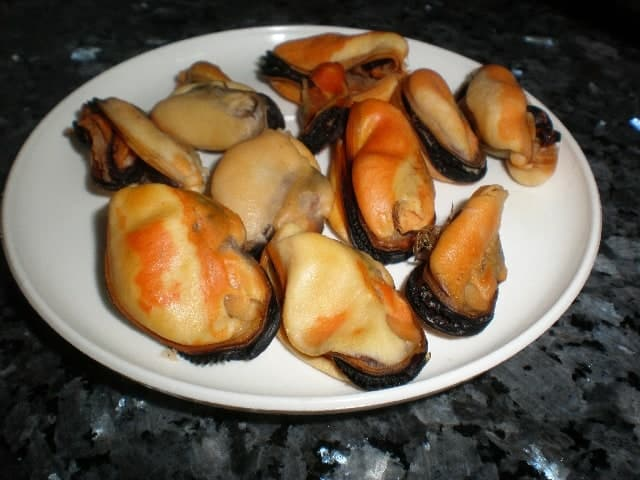 Mejillones - ▷ Arroz negro marinero 菱