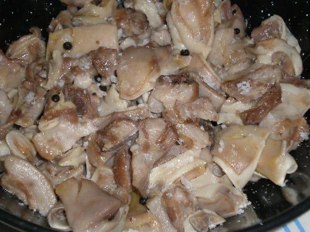Orejas de cerdo a la cayena