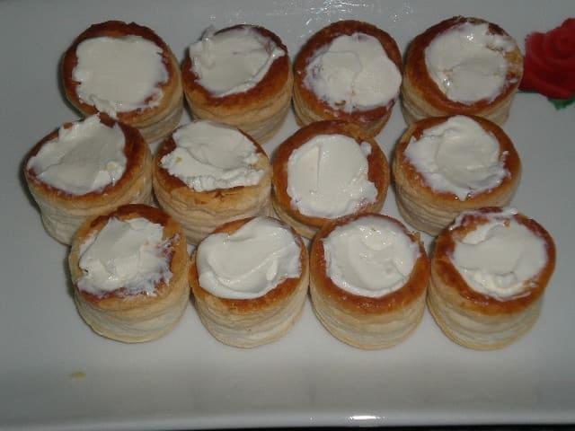 Mini volovanes con queso - Mini volovanes con hueva de arencón