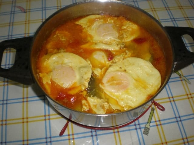 Cazuela de congrio con huevos 2 - Cazuela de congrio con huevos