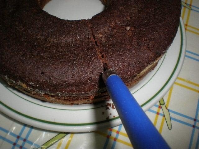 Partir bizcoch%C3%B3n 1 - Bizcochón con cacao