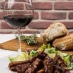 ▷ Carne y vino 📖