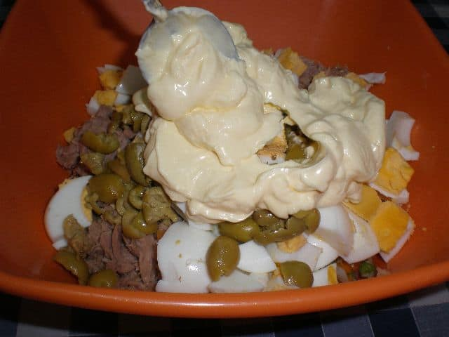 Meter mayonesa - Ensaladilla jardinera